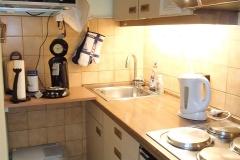 Küchenzeile der Ferienwohnung in Heiligenhafen